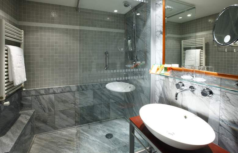 NH Carlton Amsterdam - Room - 5