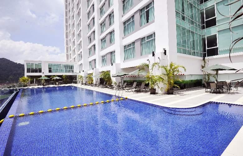 The Zenith Hotel - Pool - 2