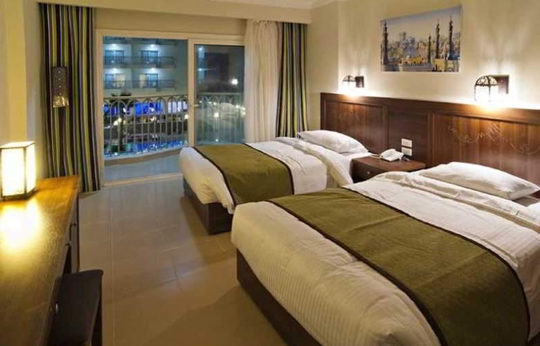 The Three Corners Royal Star Beach Resort - Room - 15
