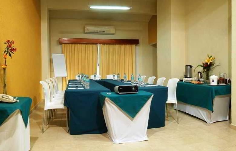 Comfort  Inn Puerto Vallarta - Conference - 22