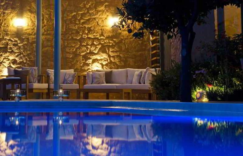 Paradice Hotel Luxury Suites - Pool - 6
