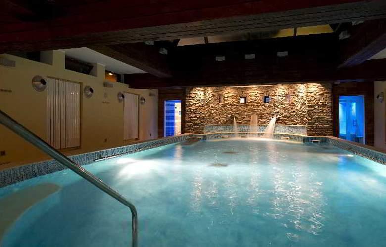 Grand Hotel La Torre - Pool - 9