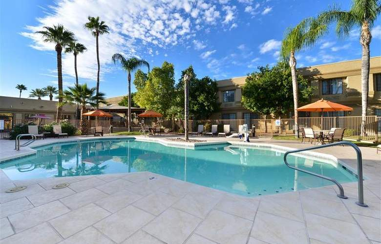 Best Western Tucson Int'l Airport Hotel & Suites - Pool - 126