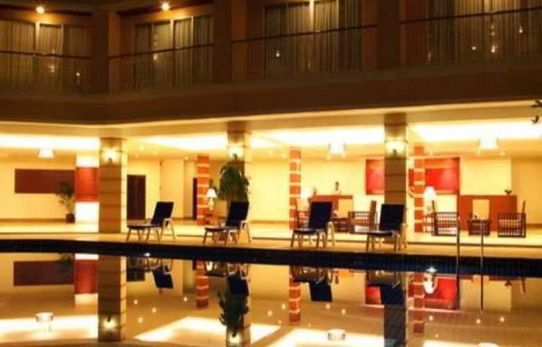 Kalim Resort - Pool - 7