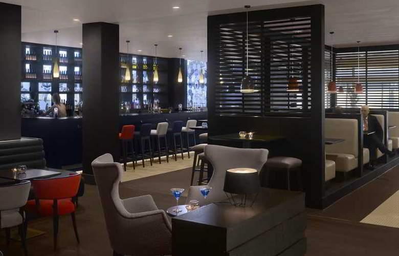 Radisson Blu Hotel Manchester Airport - Bar - 22