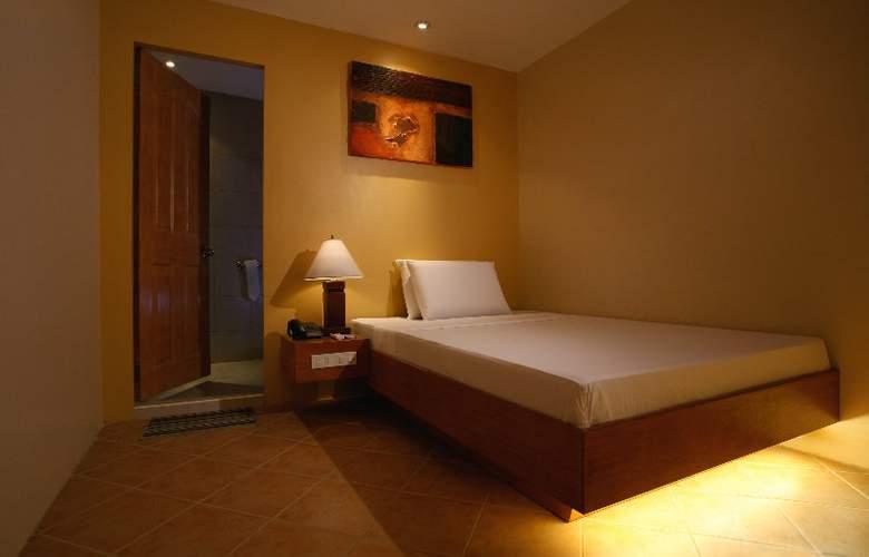 Gran Prix Manila - Room - 7