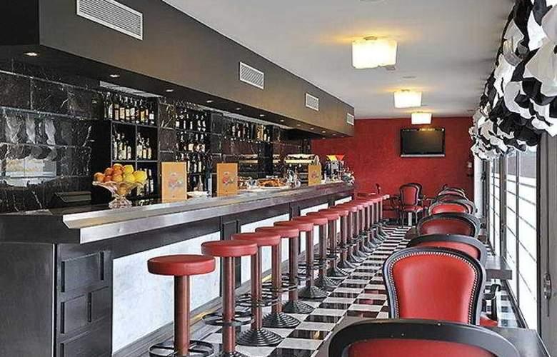Salles Aeroport Girona - Bar - 5