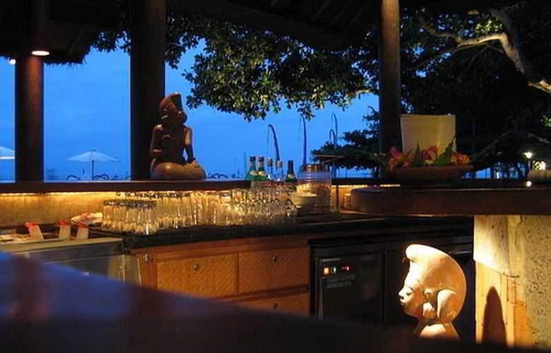 Tandjung Sari - Bar - 22