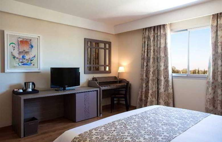 Atlas Sky Airport Hotel - Room - 14