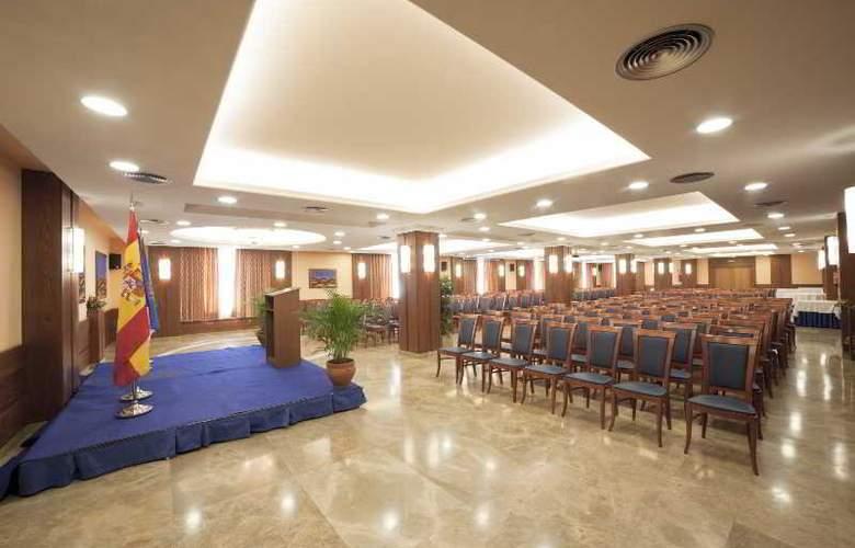 Emilio - Conference - 2