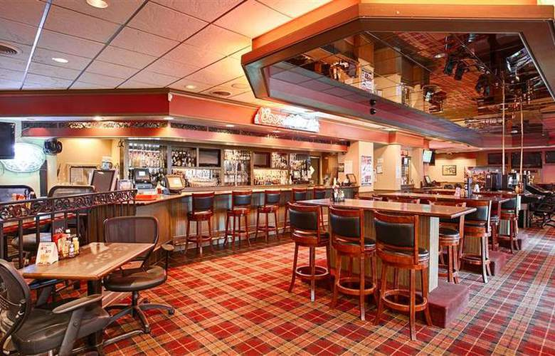 Best Western Plus Heritage Inn - Bar - 56