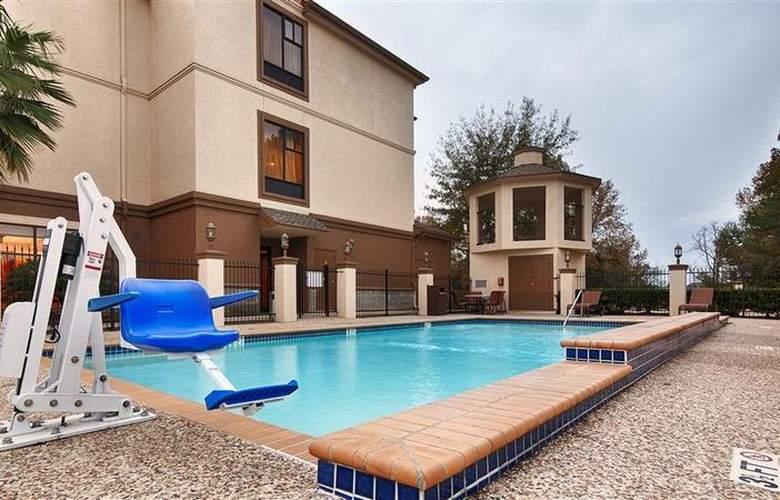 Best Western Greenspoint Inn and Suites - Pool - 140