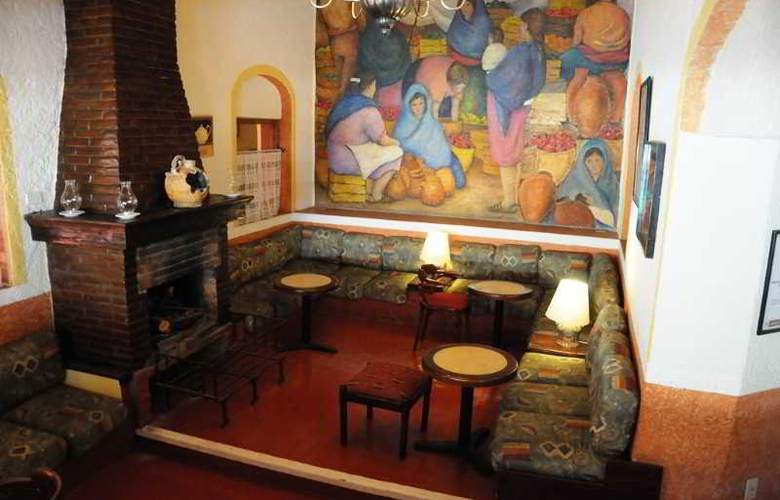 Villas Arqueologicas Cholula - Bar - 34