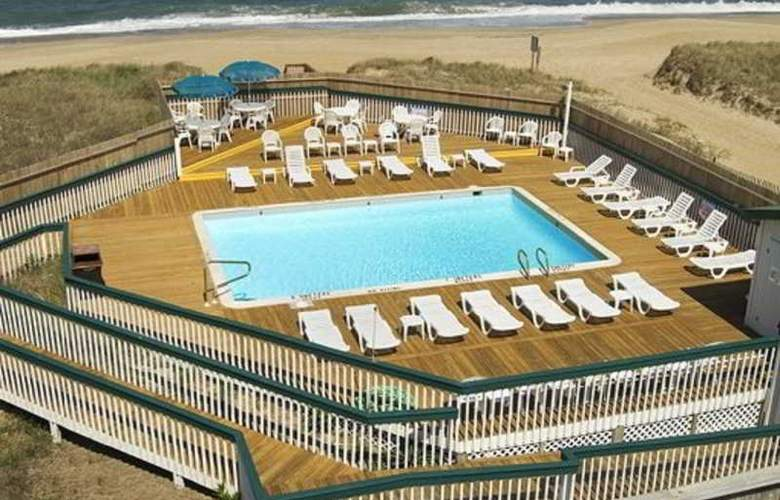 Quality Inn Carolina Oceanfront - Pool - 3