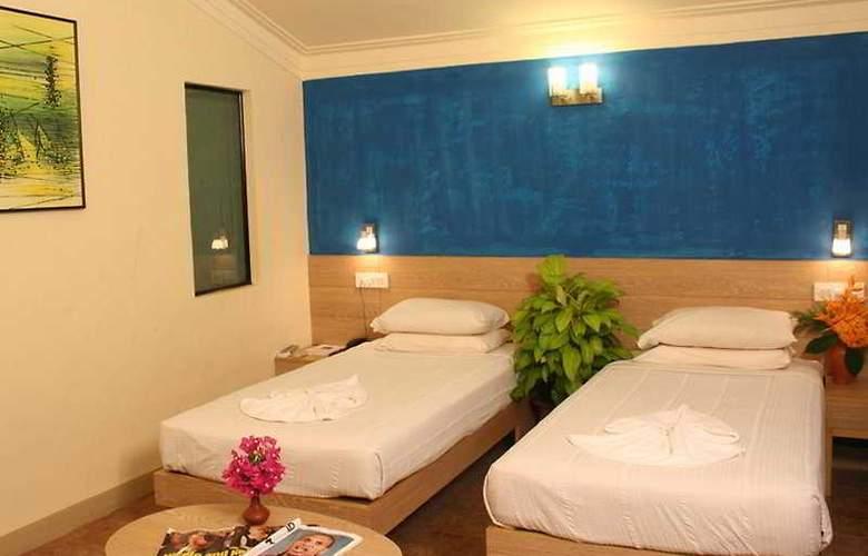 Whispering Palms Beach Resort - Room - 2