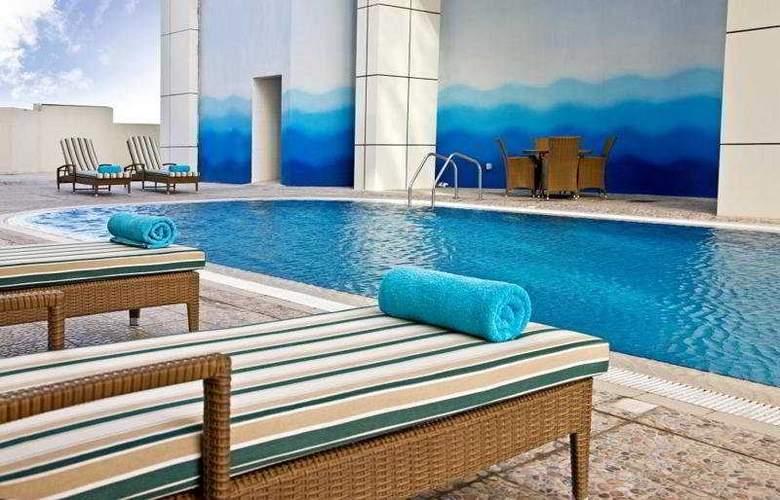 Swiss-belhotel Doha - Pool - 8