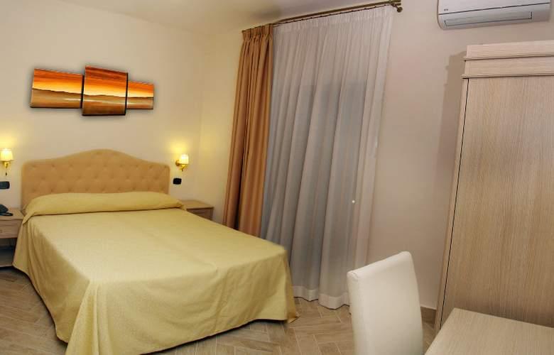 Barbato - Room - 5
