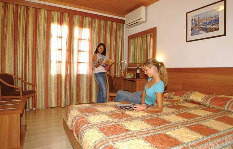 Aeolos - Room - 2
