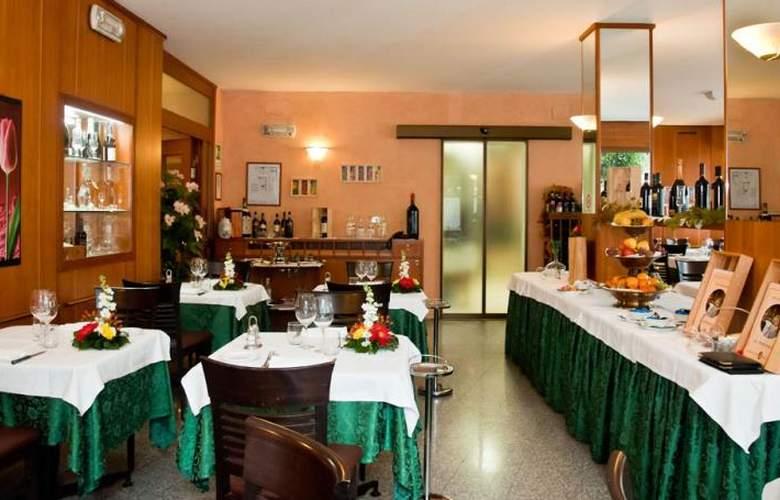 Raffaello - Restaurant - 3