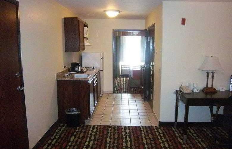 Best Western Greentree Inn & Suites - Hotel - 43