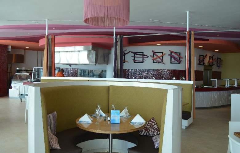 Las Americas Torre Del Mar - Restaurant - 34