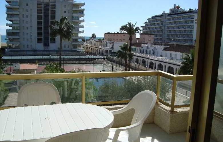 Mediterraneo Apartamentos - Terrace - 6