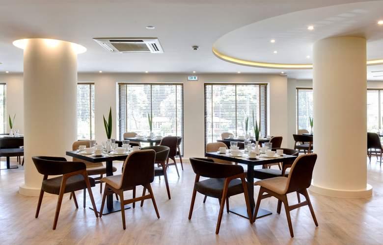 Athens Avenue - Restaurant - 4