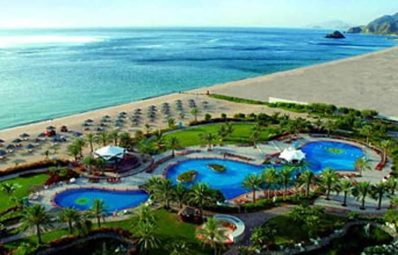Le Meridien Al Aqah Beach Resort - Hotel - 0