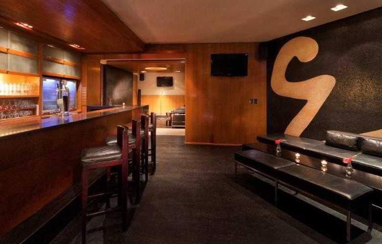 Jumeirah Emirates Towers - Bar - 31