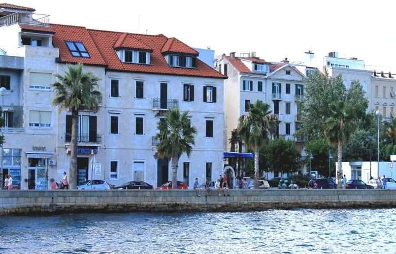 Apartments Renata - Hotel - 3