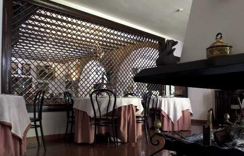 Los Infantes - Restaurant - 11