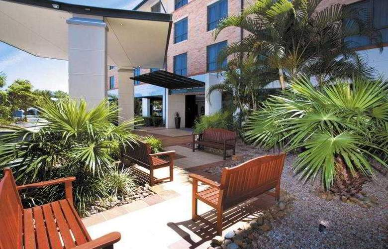 Travelodge Garden City Brisbane - General - 1
