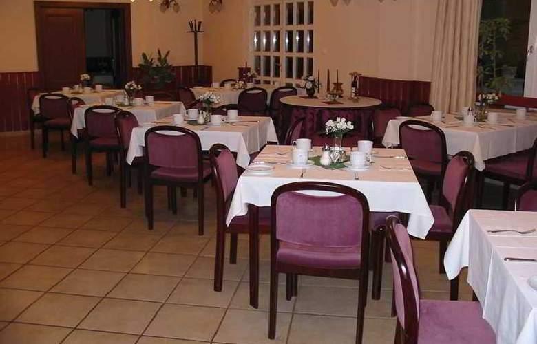 Happy - Restaurant - 4