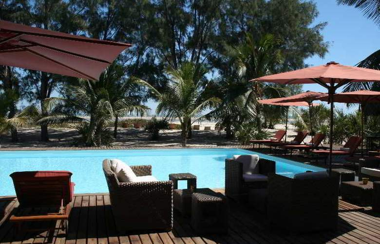 Palissandre Cote Ouest Resort & Spa - Terrace - 4
