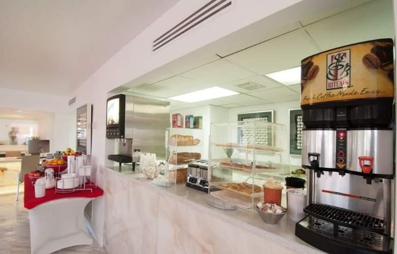 Quality Inn Maingate West - Bar - 11