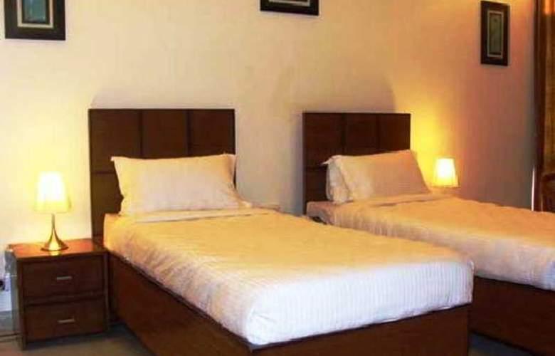 Astoria Plazza DLF Phase - 1 - Room - 5