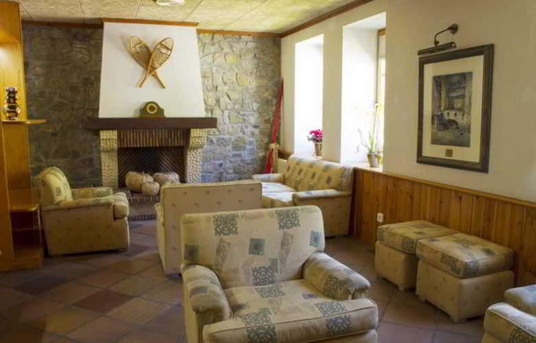 Vall De Nuria Apartamentos - Hotel - 8