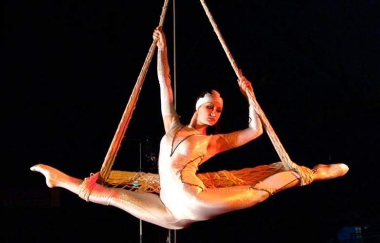 Circus Circus - Sport - 44