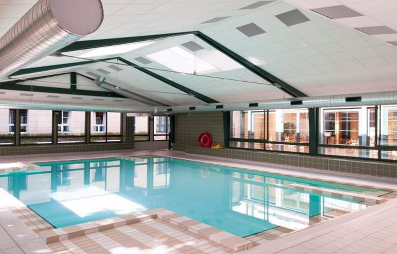 Adagio Marne-la-Vallée Val d´Europe - Pool - 2