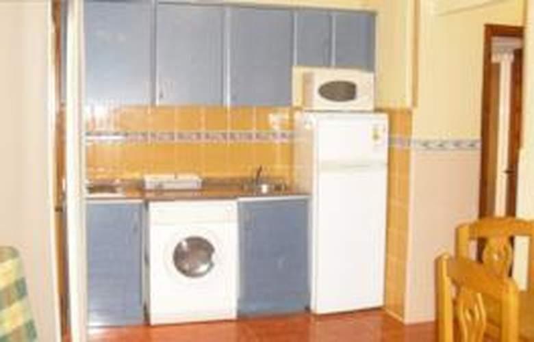Apartamentos Tres Carabelas 3000 - Room - 4