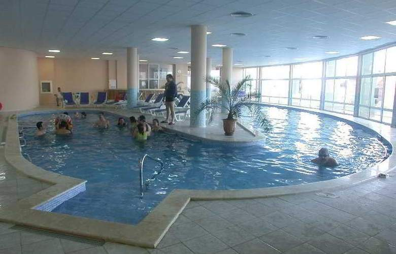 Estreya Park - Pool - 3