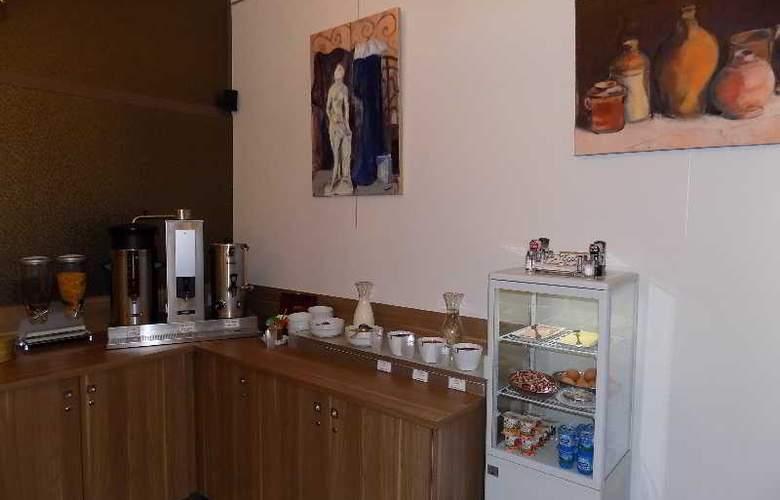 Le Grand Hotel d'Orléans - Restaurant - 5