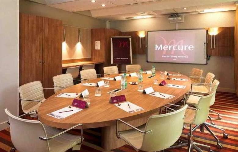 Mercure Le Coudray Montceaux Parc du Coudray - Hotel - 1