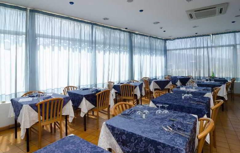 Flora - Restaurant - 3