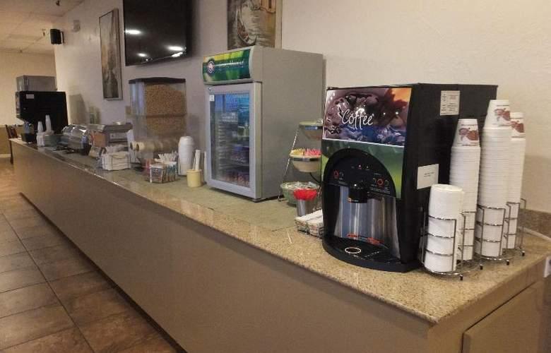 Quality Inn & Suites Lake Havasu City - Restaurant - 14