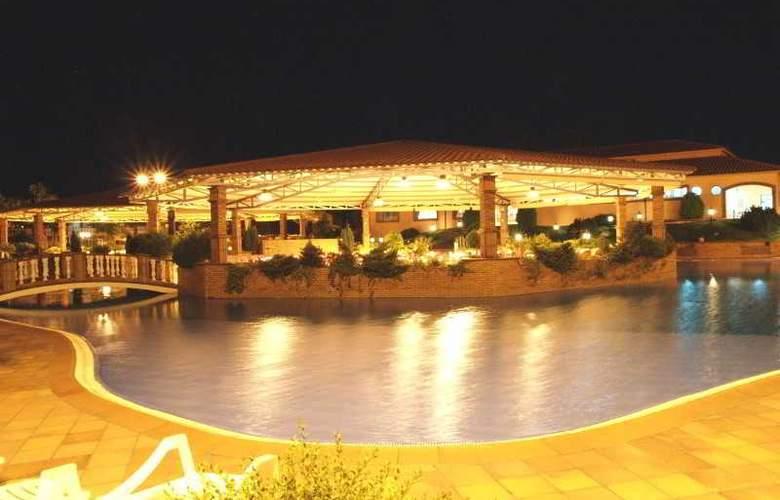 O Alambique de Ouro Hotel Resort - Pool - 8