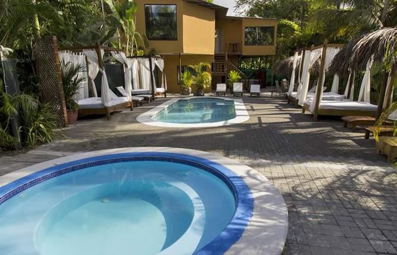 Copacabana hotel and suites - Pool - 7