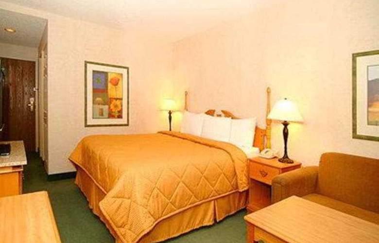 Comfort Inn Airport - Room - 4