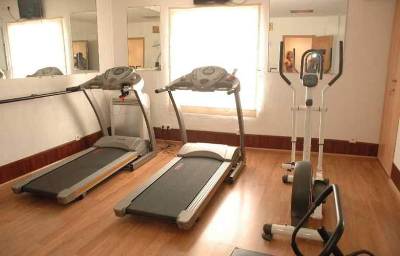Le Grand Mellis Hotel & Spa - Sport - 15