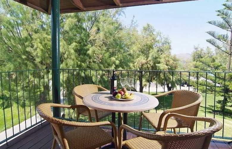 PortBlue Club Pollentia Resort - Terrace - 10